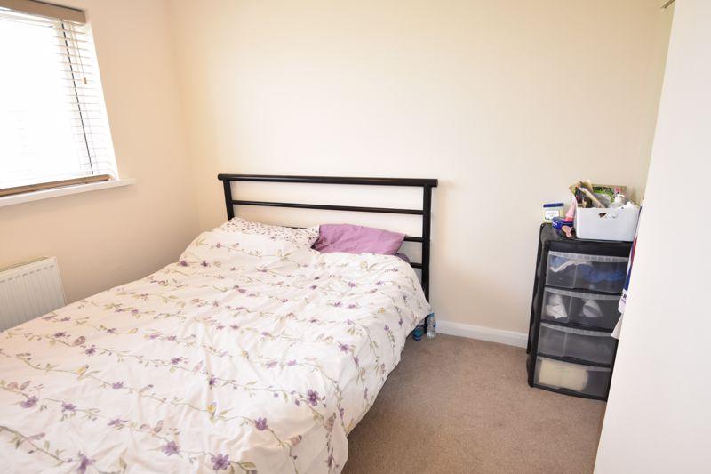 3 bedroom Semi-Detached  to rent in Emerald Road, Luton - Photo 11