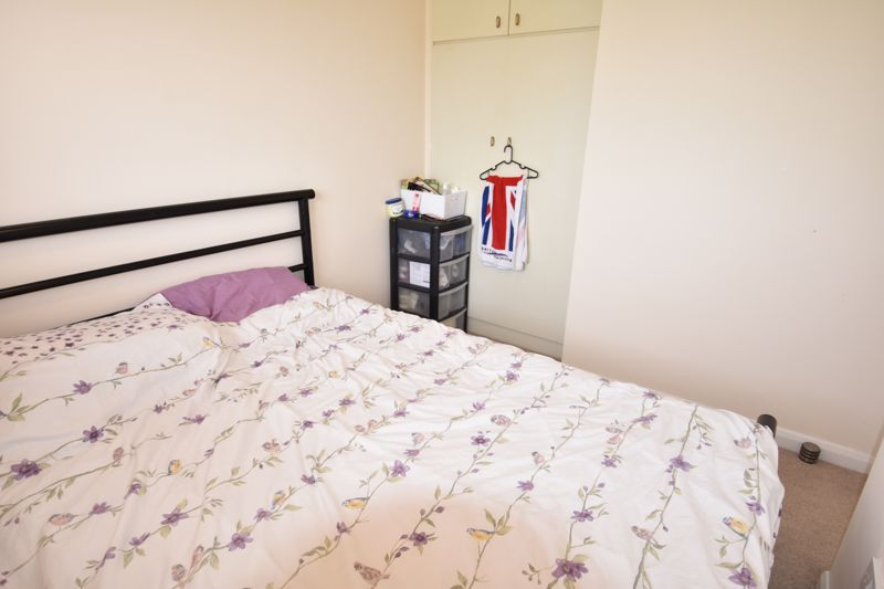 3 bedroom Semi-Detached  to rent in Emerald Road, Luton - Photo 12