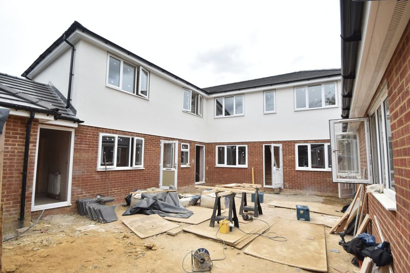 7 bedroom  to buy in Dumfries Street, Luton
