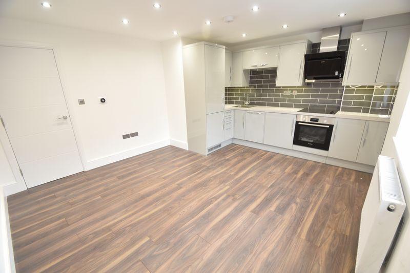 2 bedroom Flat to rent in Napier Road, Luton - Photo 4