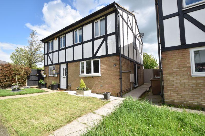 2 bedroom Semi-Detached  to buy in Beanley Close, Luton