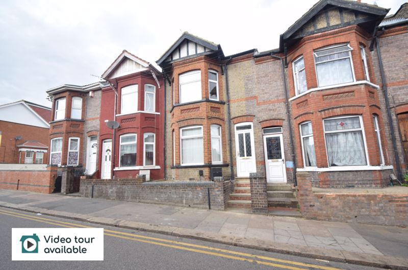 6 bedroom Mid Terrace to rent in Ashburnham Road, Luton - Photo 15