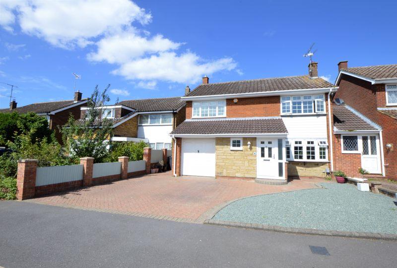 4 bedroom Detached  to buy in Winton Close, Luton