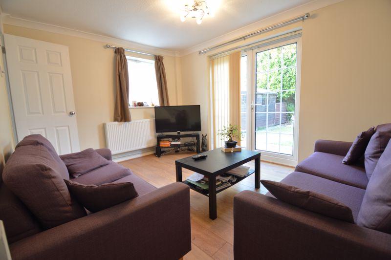 2 bedroom Mid Terrace to buy in Peregrine Road, Luton - Photo 5