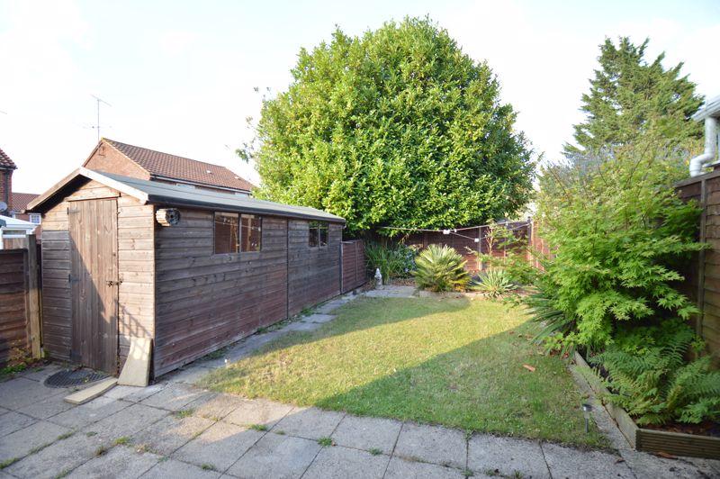 2 bedroom Mid Terrace to buy in Peregrine Road, Luton - Photo 8