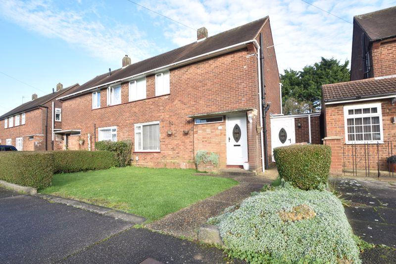 3 bedroom Semi-Detached  to buy in Cornel Close, Luton