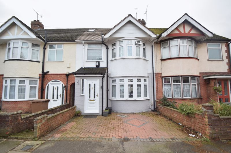 5 bedroom Mid Terrace to buy in Grosvenor Road, Luton