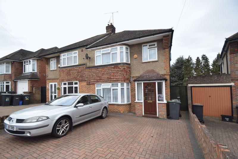 3 bedroom Semi-Detached  to rent in Graham Gardens, Luton