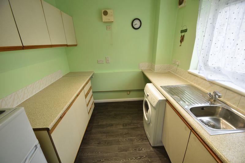 1 bedroom Flat to rent in Windsor Street, Luton - Photo 1