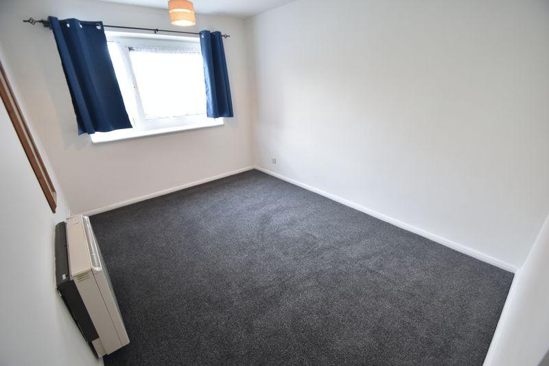 1 bedroom Flat to rent in Windsor Street, Luton - Photo 4