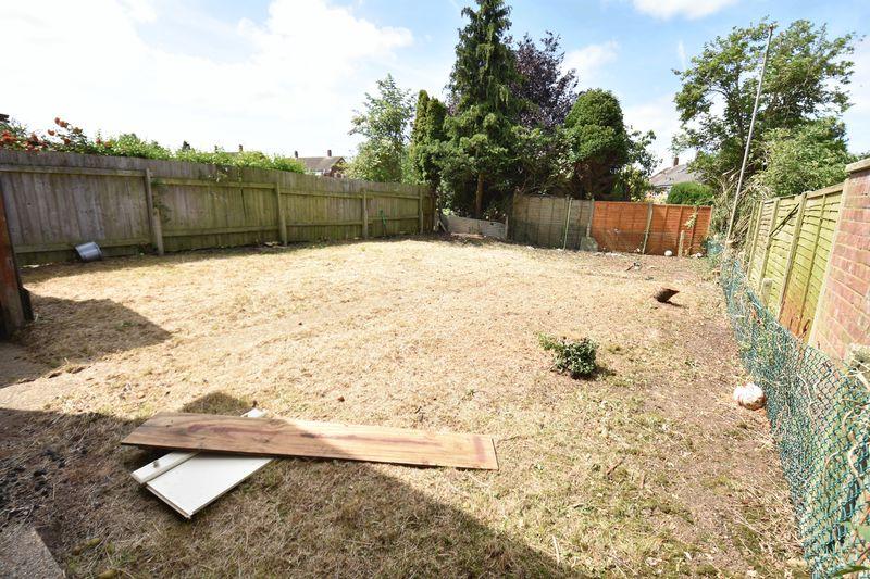 3 bedroom Semi-Detached  to buy in Carteret Road, Luton - Photo 2