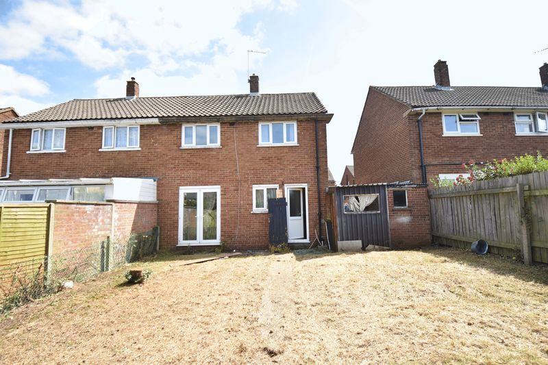 3 bedroom Semi-Detached  to buy in Carteret Road, Luton - Photo 4