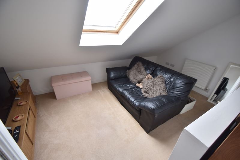 4 bedroom End Terrace to buy in Neville Road, Luton - Photo 12