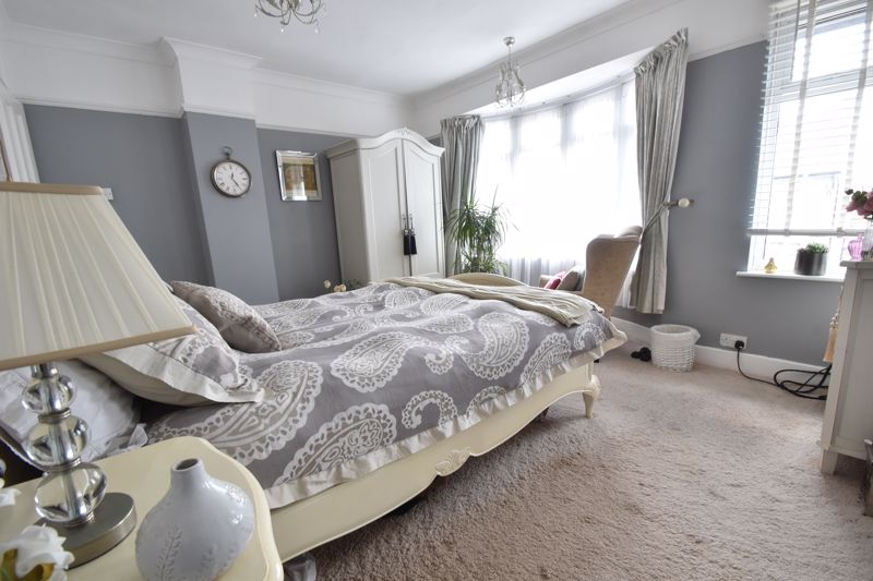 2 bedroom End Terrace to buy in St. Monicas Avenue, Luton - Photo 9