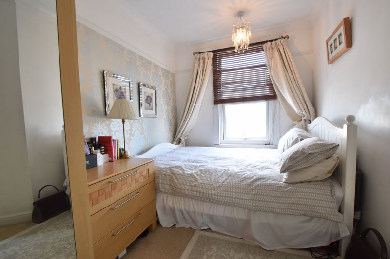 2 bedroom End Terrace to buy in St. Monicas Avenue, Luton - Photo 12