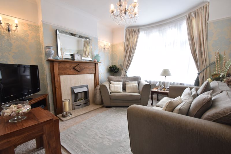 2 bedroom End Terrace to buy in St. Monicas Avenue, Luton - Photo 14