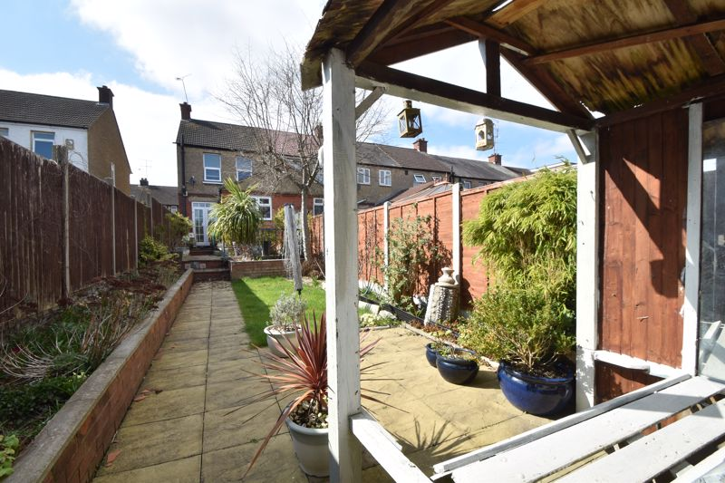 2 bedroom End Terrace to buy in St. Monicas Avenue, Luton - Photo 20