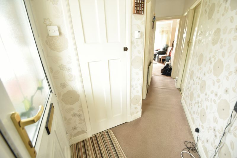 3 bedroom Bungalow to buy in Stanford Road, Luton - Photo 3