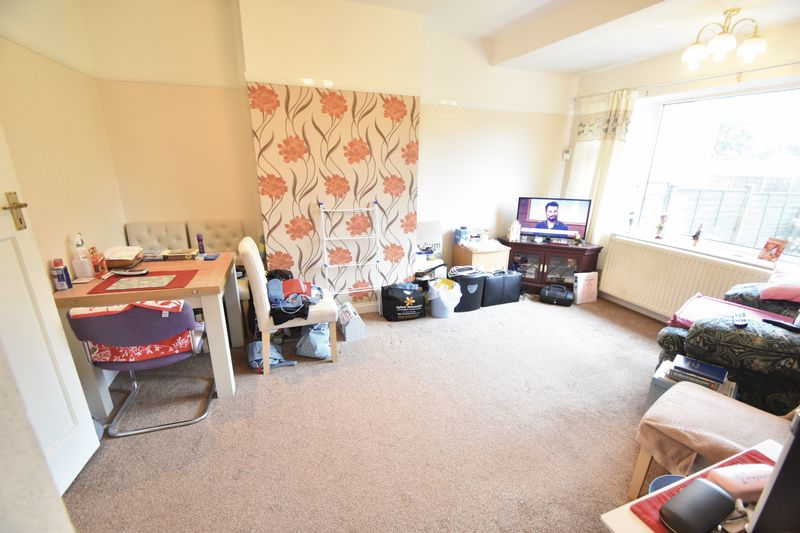 3 bedroom Bungalow to buy in Stanford Road, Luton - Photo 5