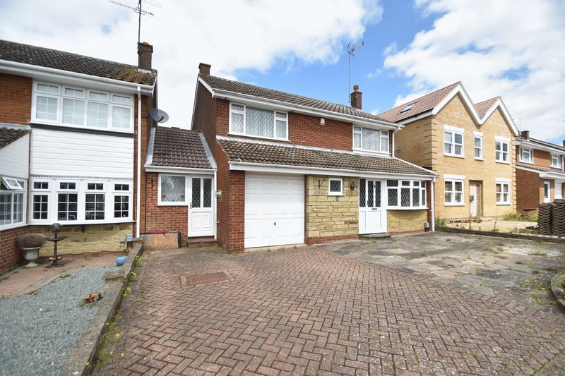 4 bedroom Detached  to buy in Winton Close, Luton