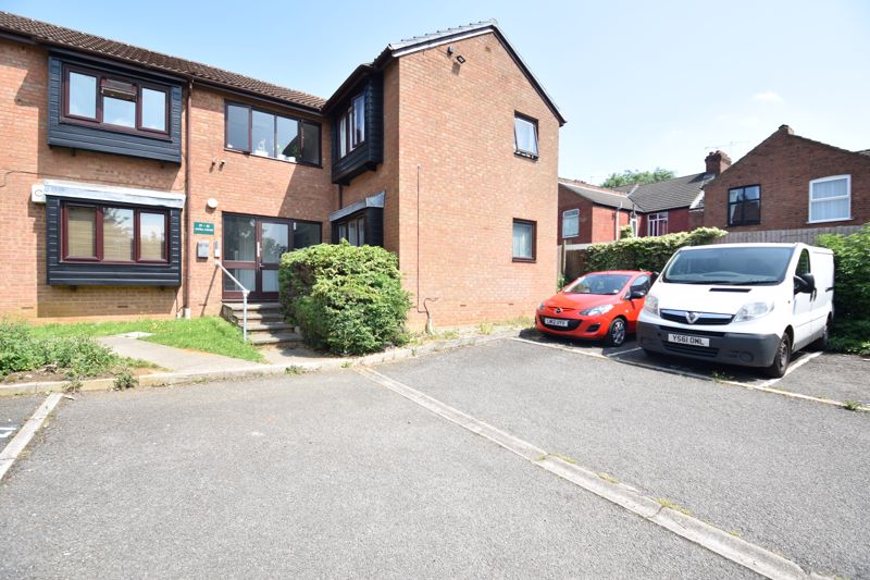 0 bedroom Flat to rent in Colin Road, Luton