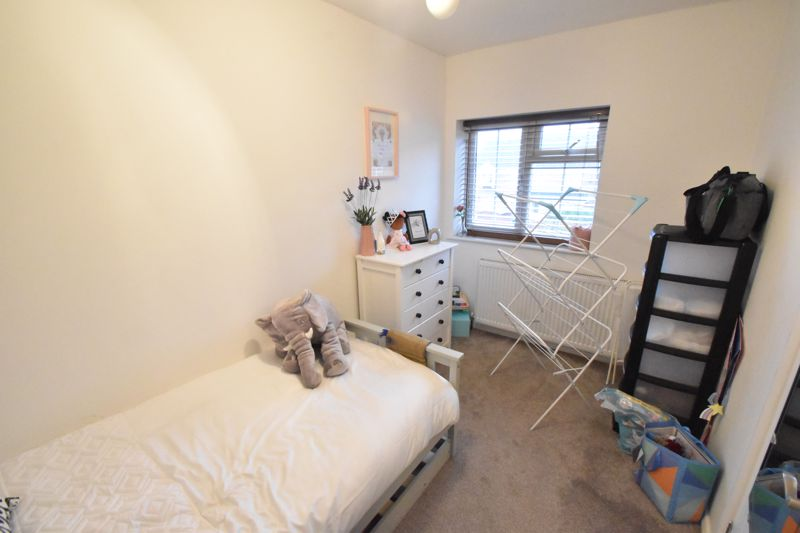 2 bedroom End Terrace to buy in Ellenhall Close, Luton - Photo 4