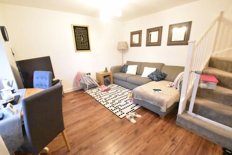 2 bedroom End Terrace to buy in Ellenhall Close, Luton - Photo 8
