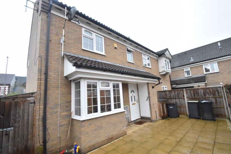 2 bedroom End Terrace to buy in Ellenhall Close, Luton