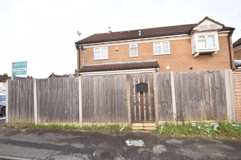 2 bedroom End Terrace to buy in Ellenhall Close, Luton - Photo 13