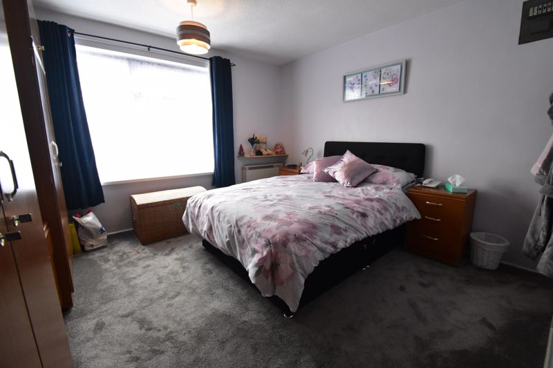 1 bedroom Maisonette to buy in Seaford Close, Luton - Photo 5