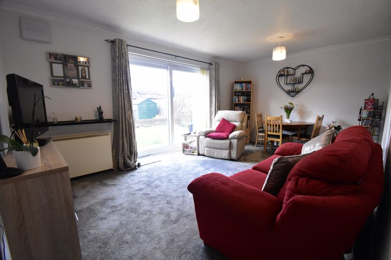 1 bedroom Maisonette to buy in Seaford Close, Luton - Photo 9
