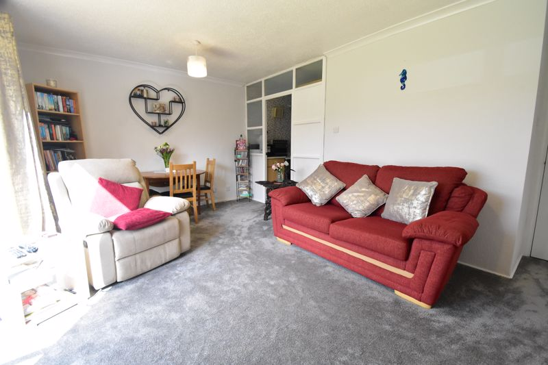 1 bedroom Maisonette to buy in Seaford Close, Luton - Photo 11