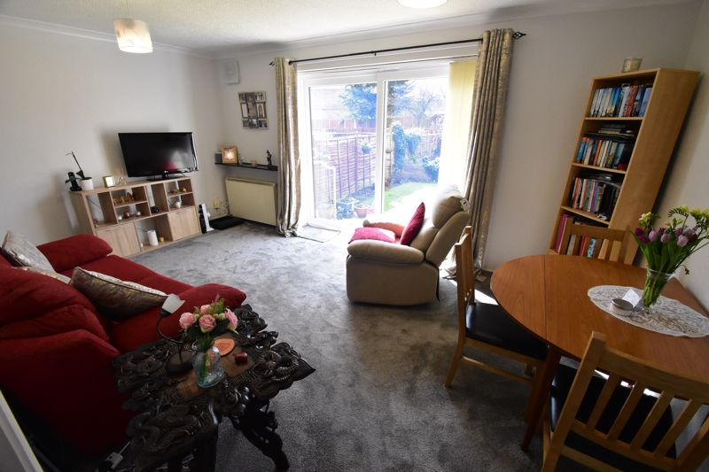 1 bedroom Maisonette to buy in Seaford Close, Luton - Photo 12