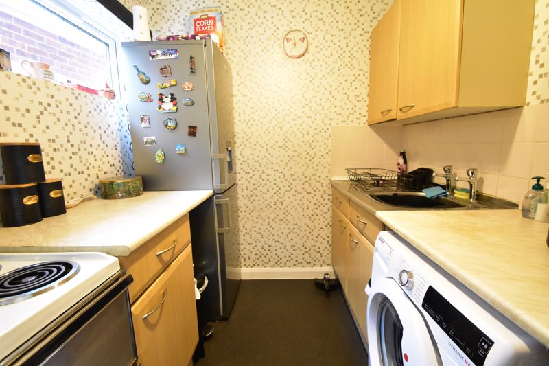 1 bedroom Maisonette to buy in Seaford Close, Luton - Photo 15