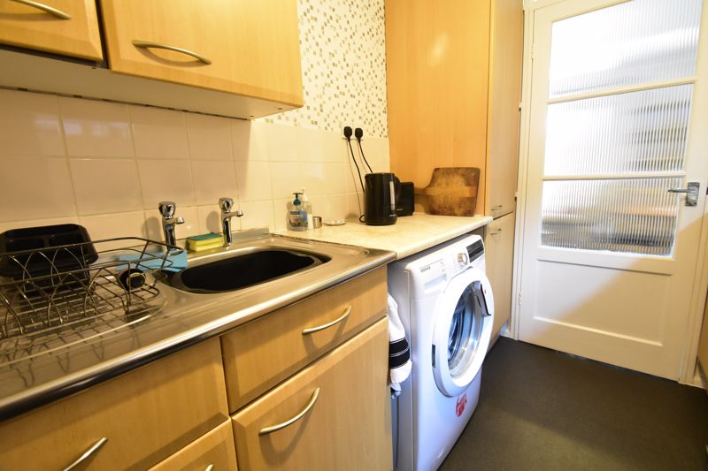 1 bedroom Maisonette to buy in Seaford Close, Luton - Photo 17