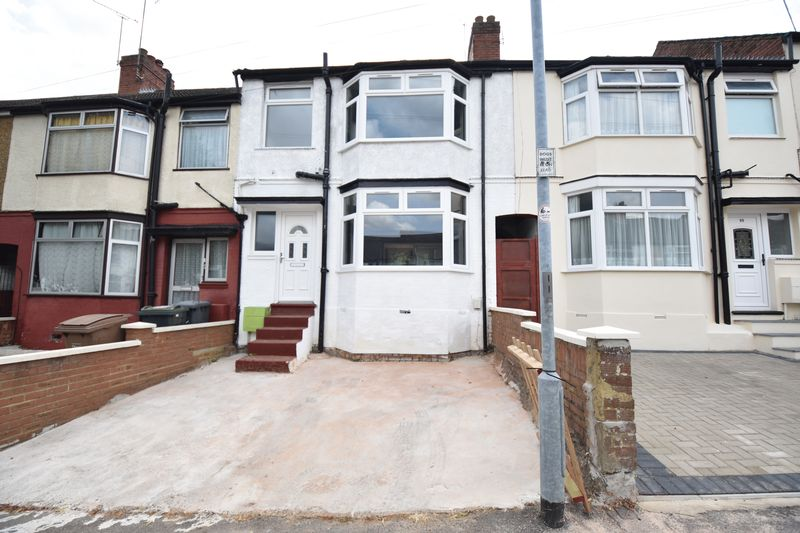 3 bedroom Mid Terrace to buy in Runley Road, Luton