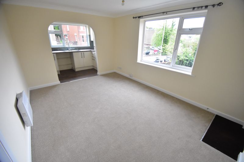 1 bedroom Flat to buy in High Town Road, Luton - Photo 1