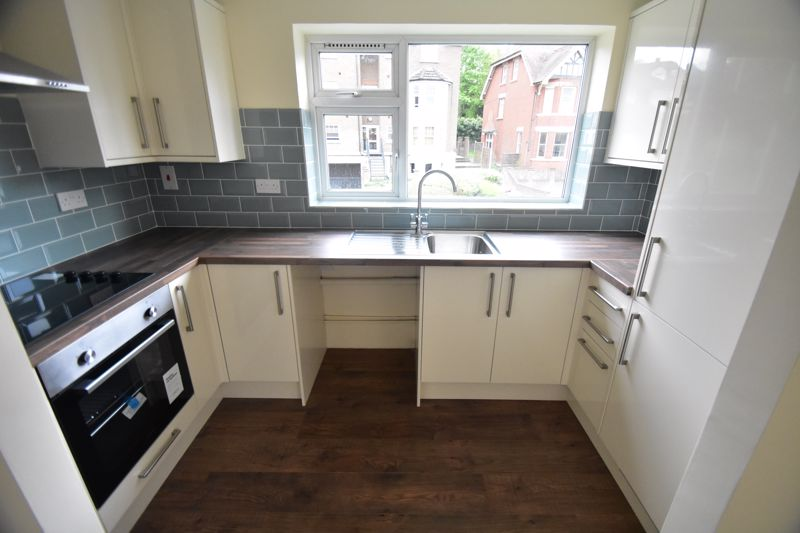 1 bedroom Flat to buy in High Town Road, Luton - Photo 4