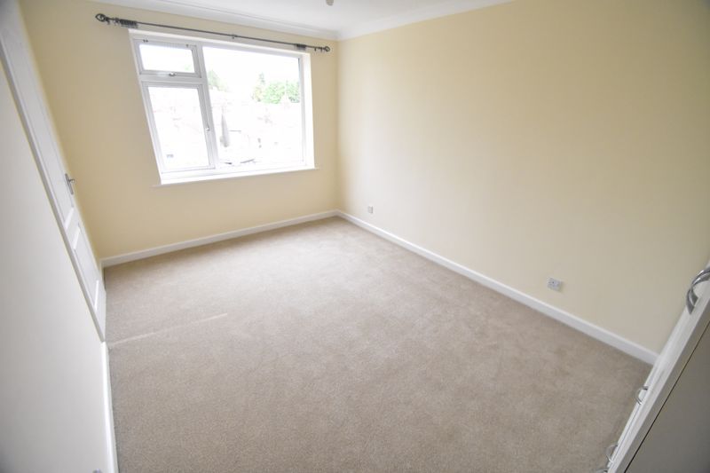 1 bedroom Flat to buy in High Town Road, Luton - Photo 6