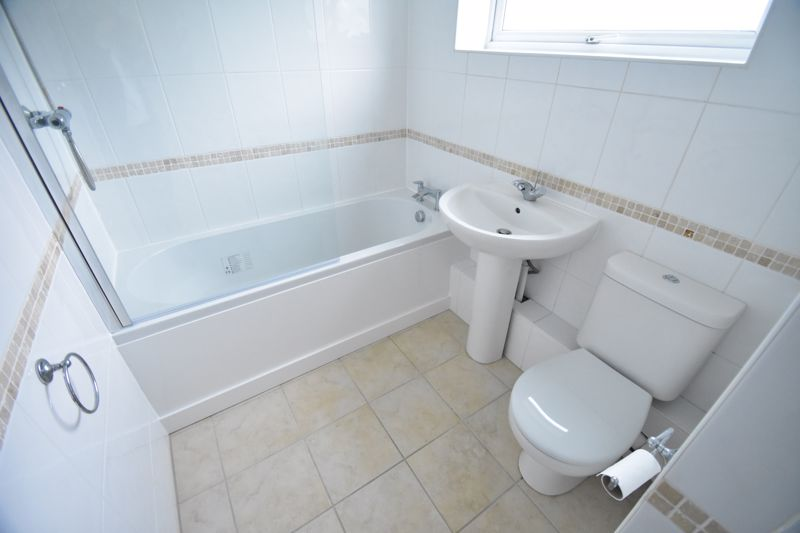 1 bedroom Flat to buy in High Town Road, Luton - Photo 7