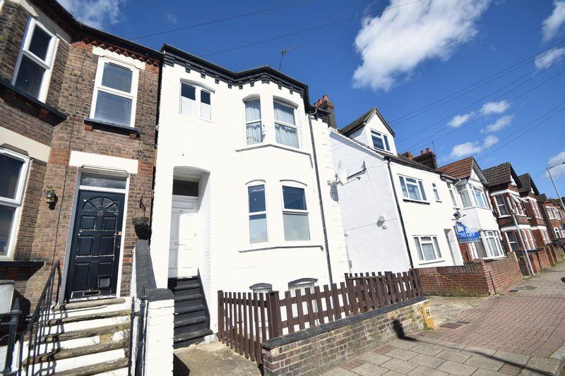1 bedroom Flat to buy in Clarendon Road, Luton