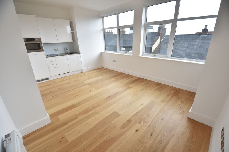 1 bedroom Flat to rent in Park Street West, Luton - Photo 1
