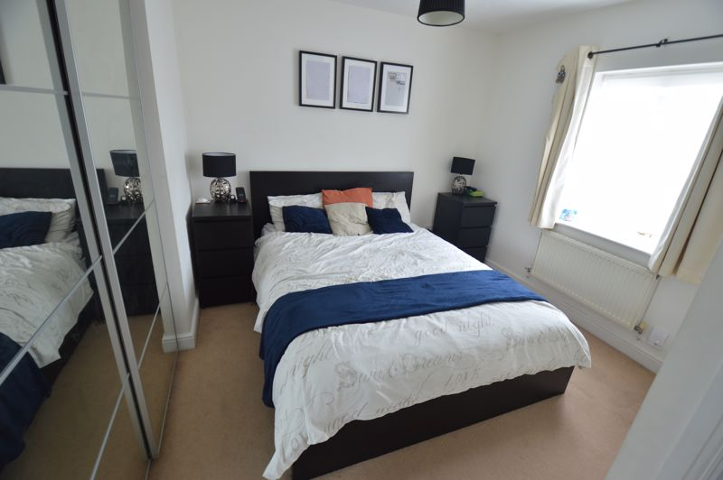 2 bedroom End Terrace to buy in Lorimer Close, Luton - Photo 6
