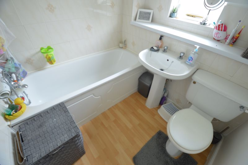 2 bedroom End Terrace to buy in Lorimer Close, Luton - Photo 9