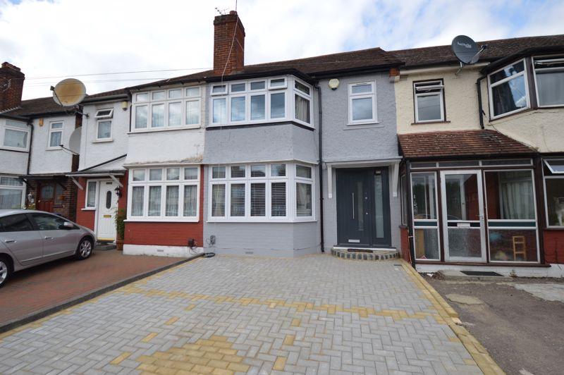 3 bedroom Mid Terrace to buy in Hoe Lane, Enfield