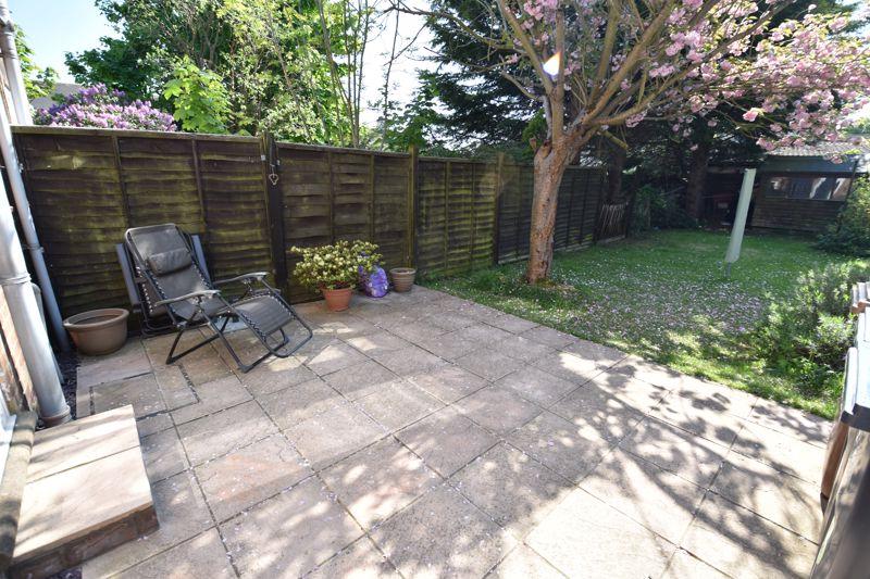 2 bedroom  to buy in Derwent Road, Luton - Photo 10