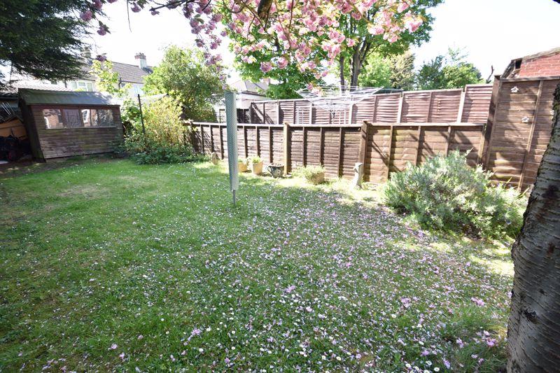 2 bedroom  to buy in Derwent Road, Luton - Photo 11
