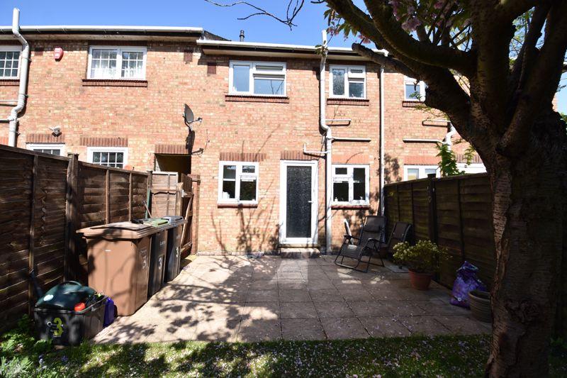 2 bedroom  to buy in Derwent Road, Luton - Photo 12