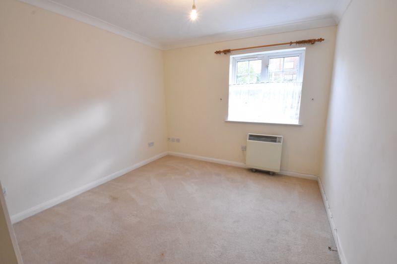 2 bedroom Flat to rent in Earls Meade, Luton - Photo 5