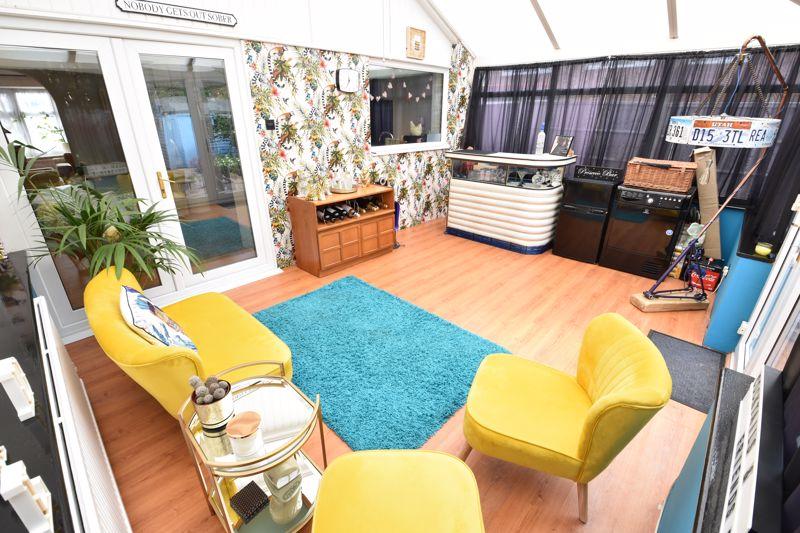 3 bedroom End Terrace to buy in Telscombe Way, Luton - Photo 7